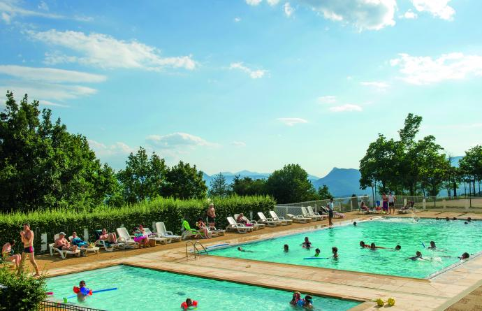 piscine village vacances